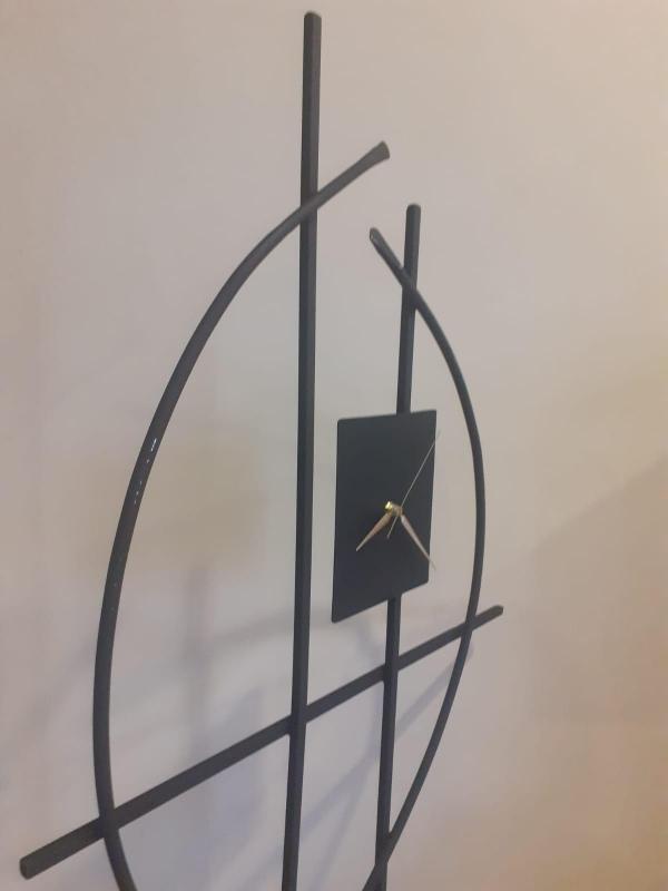 Metal Dekoratif Yer Saati
